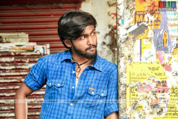 theru-naaigal-movie-stills-0006.jpg