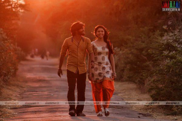 theru-naaigal-movie-stills-0007.jpg