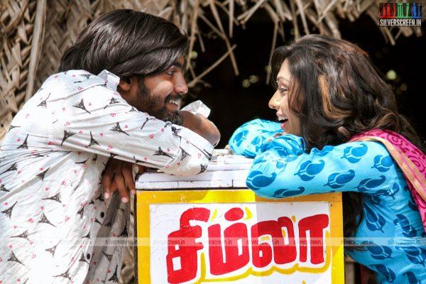 theru-naaigal-movie-stills-0009.jpg