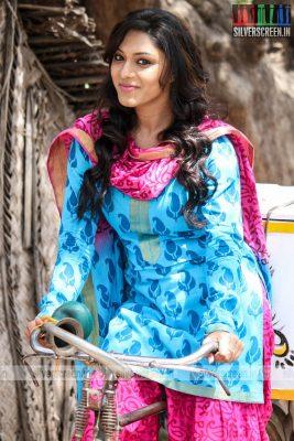 theru-naaigal-movie-stills-0010.jpg