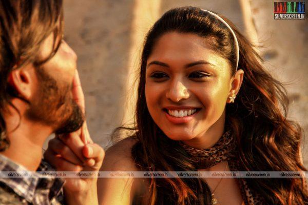 theru-naaigal-movie-stills-0014.jpg