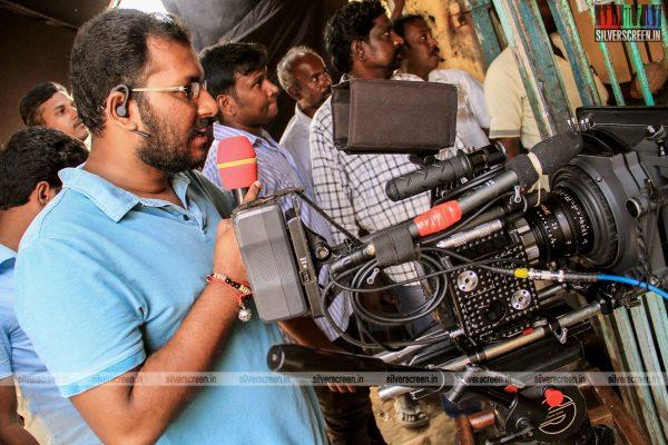 theru-naaigal-movie-stills-0018.jpg