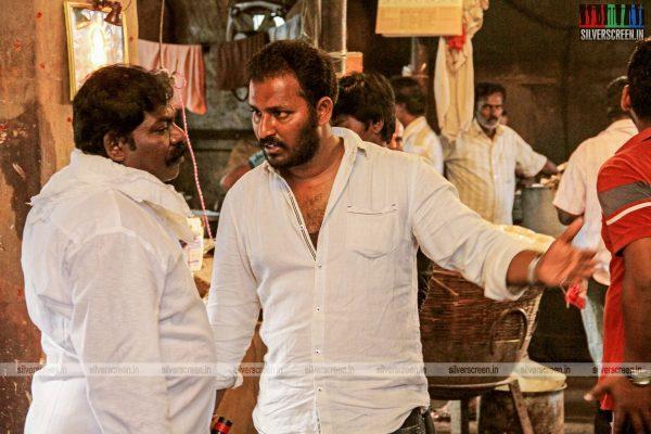 theru-naaigal-movie-stills-0020.jpg