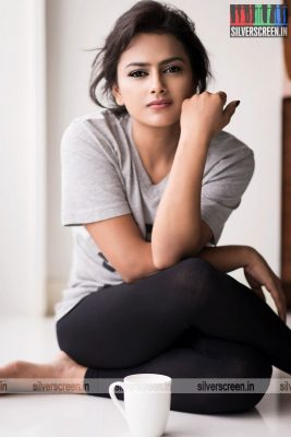 actress-shraddha-srinath-photoshoot-stills-0061.jpg