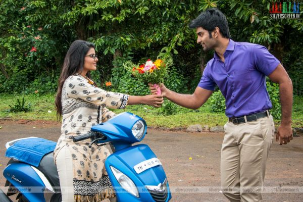 gemini-ganesanum-suruli-rajanum-movie-stills-starring-atharva-aishwarya-rajesh-regina-cassandra-stills-0004.jpg