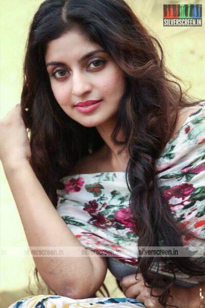 Kaaviyyan Movie Stills Starring Athmiya
