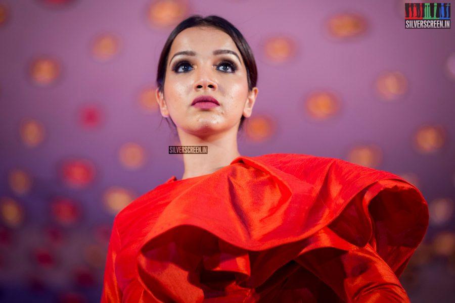 pictures-jayam-ravi-aishwarya-rajesh-sanchita-shetty-sunaina-others-benny-dayal-live-concert-photos-0025.jpg