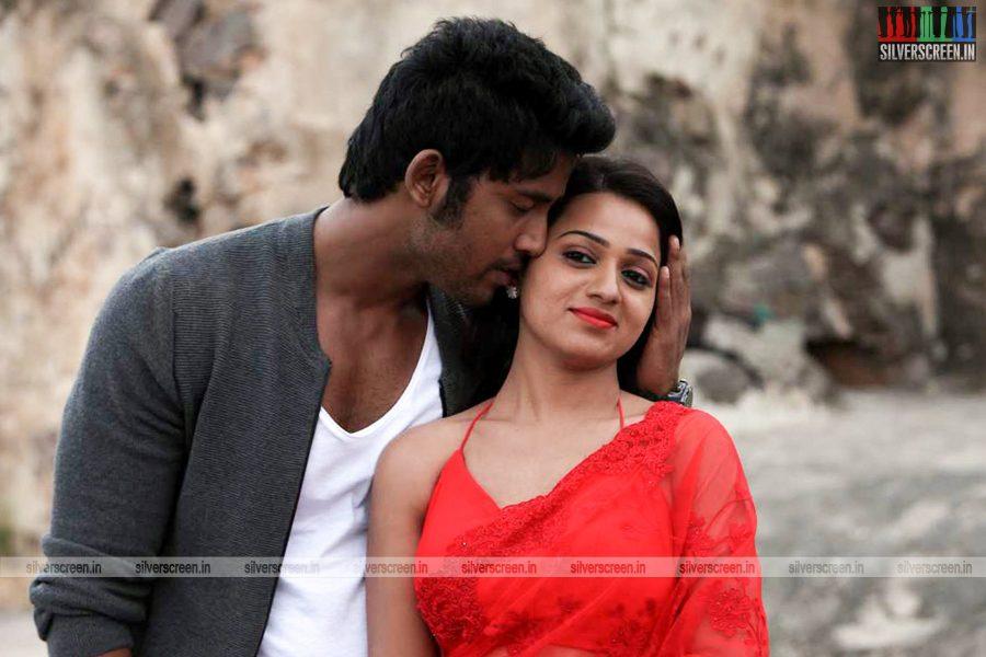 adhagappattathu-magajanangalay-movie-stills-0018.jpg