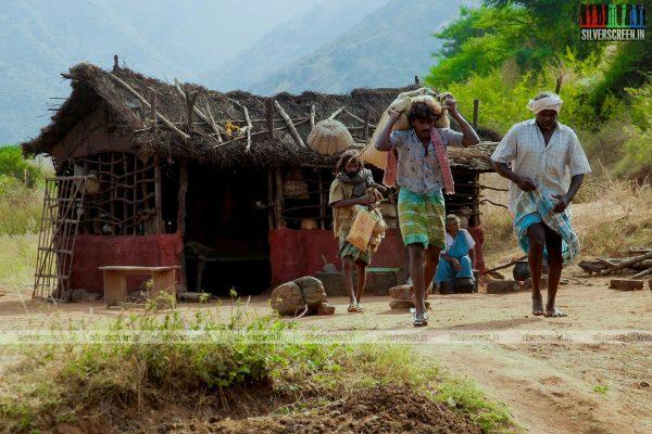 merku-thodarchi-malai-movie-stills-starring-gayathri-krishna-others-stills-0004.jpg
