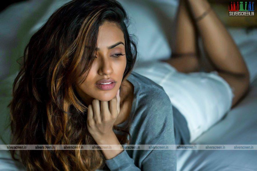 akshara-gowda-photoshoot-stills-0010.jpg