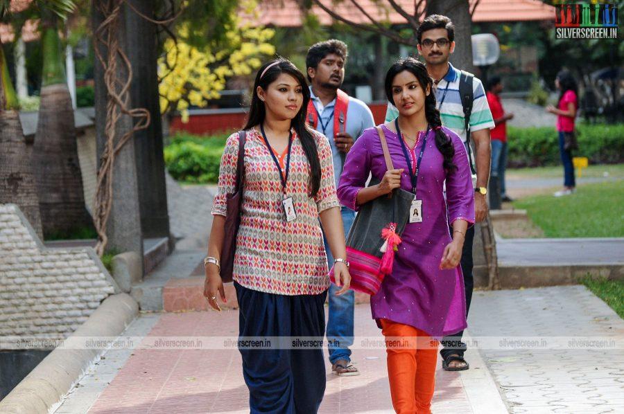 kootathil-oruthan-movie-stills-starring-ashok-selvan-priya-anand-others-stills-0004.jpg