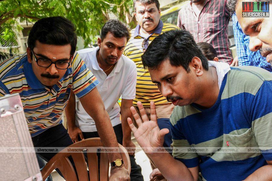 kootathil-oruthan-movie-stills-starring-ashok-selvan-priya-anand-others-stills-0011.jpg