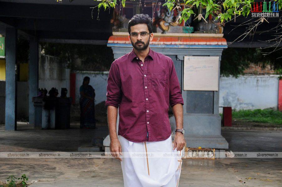 kootathil-oruthan-movie-stills-starring-ashok-selvan-priya-anand-others-stills-0016.jpg