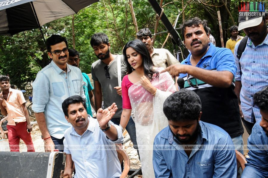 kootathil-oruthan-movie-stills-starring-ashok-selvan-priya-anand-others-stills-0017.jpg