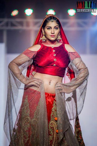 pictures-mehndi-jashnani-sanchana-others-madras-couture-fashion-week-season-4-day-1-photos-0006.jpg