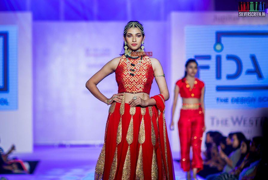 pictures-mehndi-jashnani-sanchana-others-madras-couture-fashion-week-season-4-day-1-photos-0033.jpg