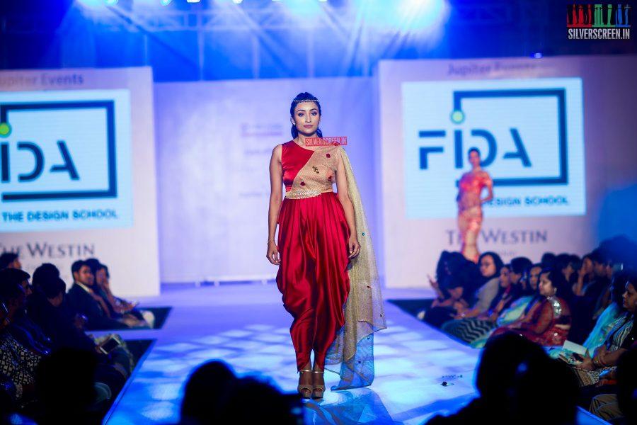 pictures-mehndi-jashnani-sanchana-others-madras-couture-fashion-week-season-4-day-1-photos-0037.jpg