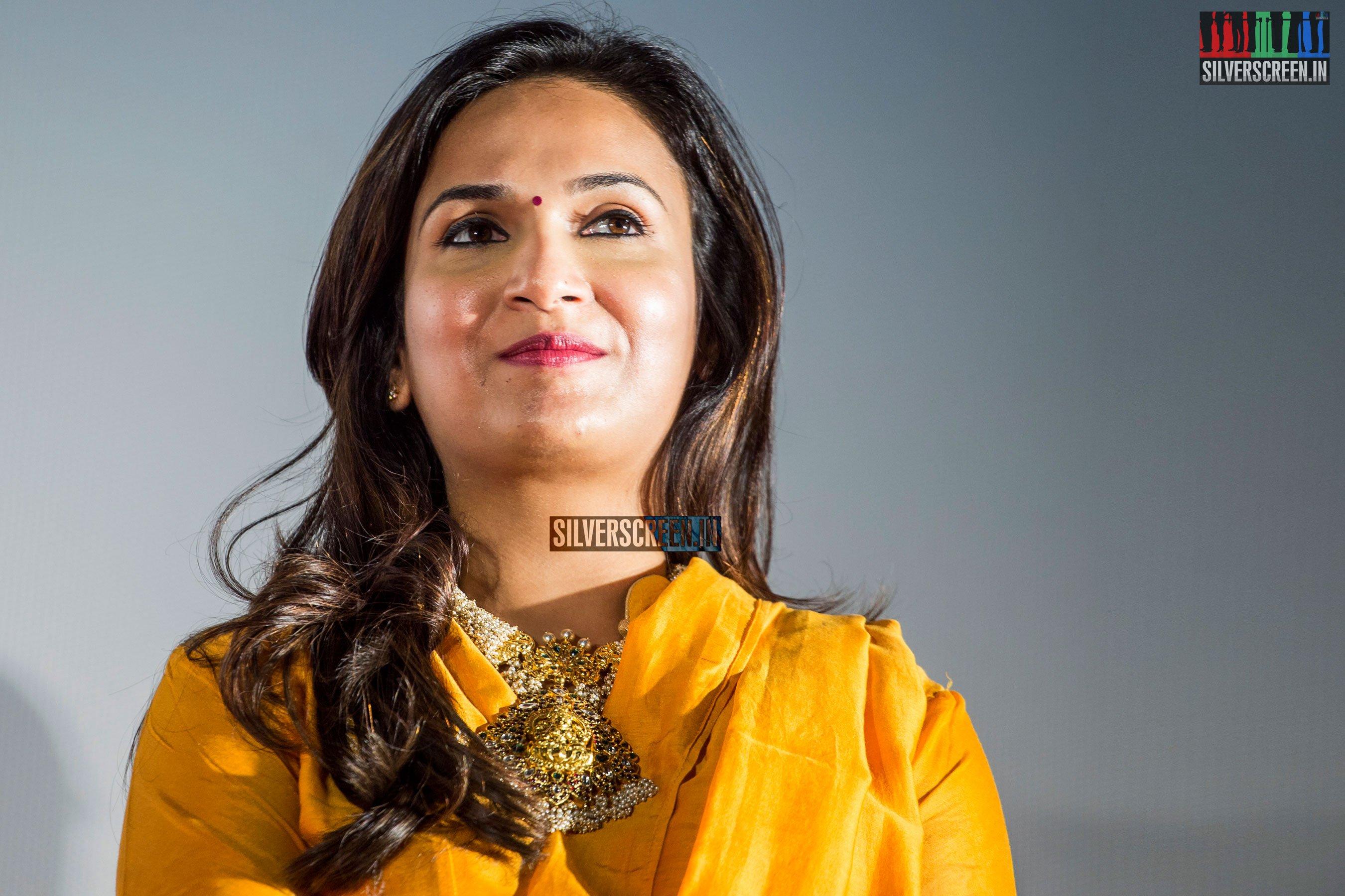 Soundarya rajinikanth latest photos Best Salon In Karachi - Best Lady Photographer In Karachi - Best