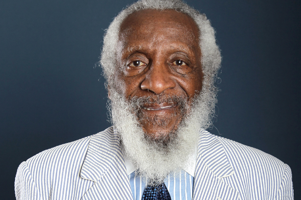 Groundbreaking comedian, civil rights leader Dick Gregory dead at 84