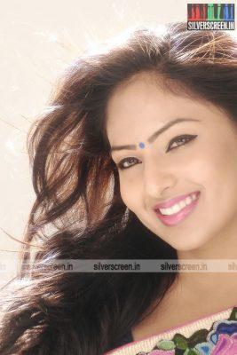 actress-nikesha-patel-photoshoot-stills-144.jpg