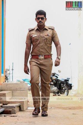 chathru-movie-stills-starring-kathir-srushti-dange-photos-0019.jpg