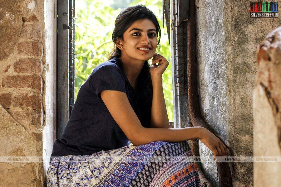 en-aaloda-seruppa-kaanom-movie-stills-starring-anandhi-pasanga-pandi-others-stills-0022.jpg