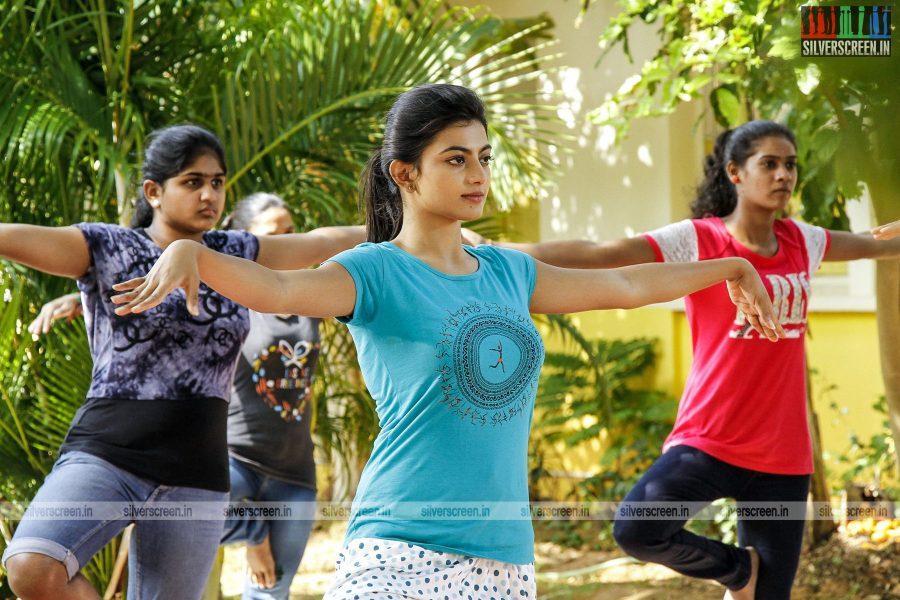 en-aaloda-seruppa-kaanom-movie-stills-starring-anandhi-pasanga-pandi-others-stills-0024.jpg