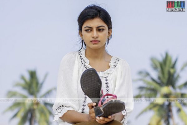 en-aaloda-seruppa-kaanom-movie-stills-starring-anandhi-pasanga-pandi-others-stills-0034.jpg