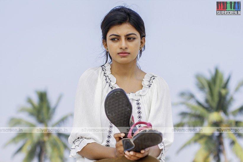 en-aaloda-seruppa-kaanom-movie-stills-starring-anandhi-pasanga-pandi-others-stills-0034.jpg