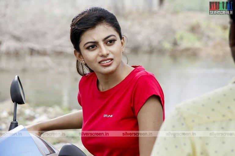 en-aaloda-seruppa-kaanom-movie-stills-starring-anandhi-pasanga-pandi-others-stills-0044.jpg