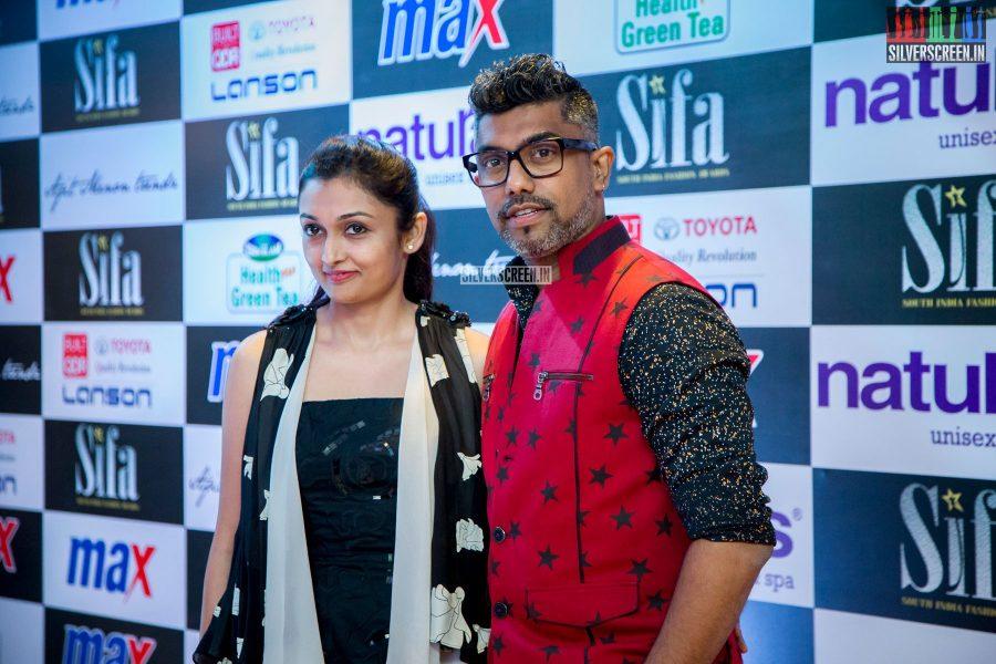 in-pictures-rakul-preet-singh-pradhayini-sarvothaman-shweta-gai-and-others-at-south-indian-fashion-awards-2017-photos-0001.jpg