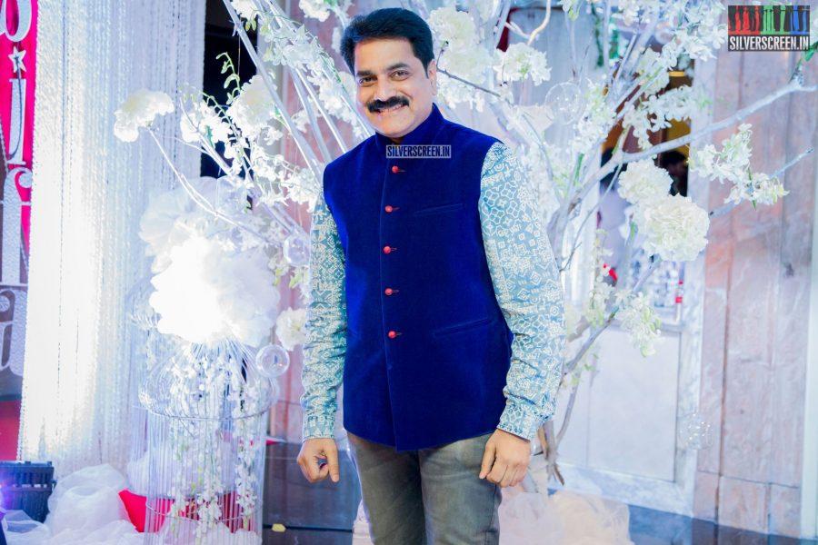 in-pictures-rakul-preet-singh-pradhayini-sarvothaman-shweta-gai-and-others-at-south-indian-fashion-awards-2017-photos-0004.jpg