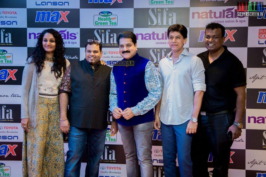 in-pictures-rakul-preet-singh-pradhayini-sarvothaman-shweta-gai-and-others-at-south-indian-fashion-awards-2017-photos-0006.jpg