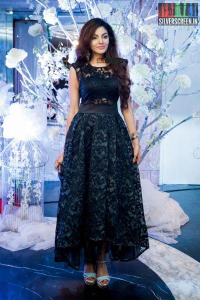 in-pictures-rakul-preet-singh-pradhayini-sarvothaman-shweta-gai-and-others-at-south-indian-fashion-awards-2017-photos-0011.jpg