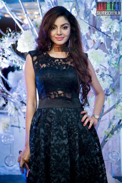 in-pictures-rakul-preet-singh-pradhayini-sarvothaman-shweta-gai-and-others-at-south-indian-fashion-awards-2017-photos-0012.jpg