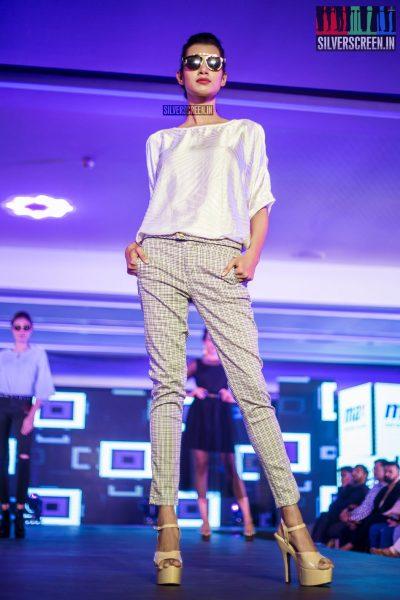 in-pictures-rakul-preet-singh-pradhayini-sarvothaman-shweta-gai-and-others-at-south-indian-fashion-awards-2017-photos-0013.jpg
