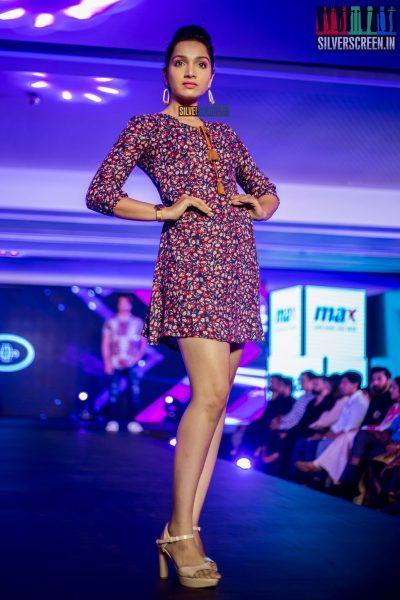 in-pictures-rakul-preet-singh-pradhayini-sarvothaman-shweta-gai-and-others-at-south-indian-fashion-awards-2017-photos-0017.jpg