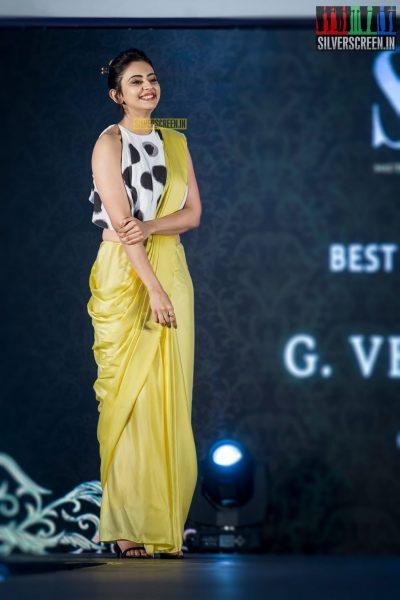 in-pictures-rakul-preet-singh-pradhayini-sarvothaman-shweta-gai-and-others-at-south-indian-fashion-awards-2017-photos-0026.jpg