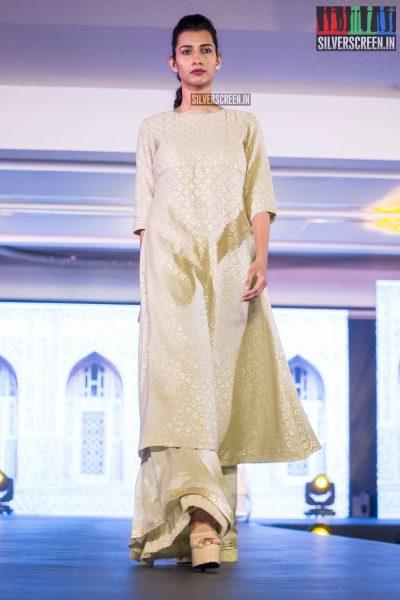 in-pictures-rakul-preet-singh-pradhayini-sarvothaman-shweta-gai-and-others-at-south-indian-fashion-awards-2017-photos-0034.jpg