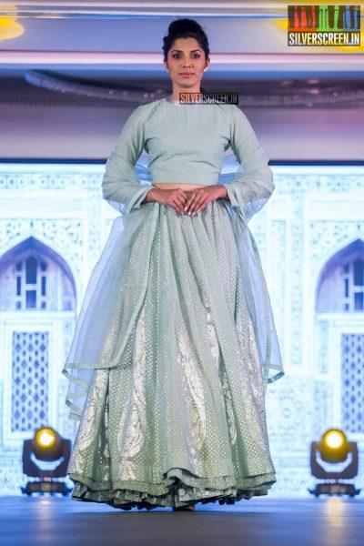 in-pictures-rakul-preet-singh-pradhayini-sarvothaman-shweta-gai-and-others-at-south-indian-fashion-awards-2017-photos-0036.jpg