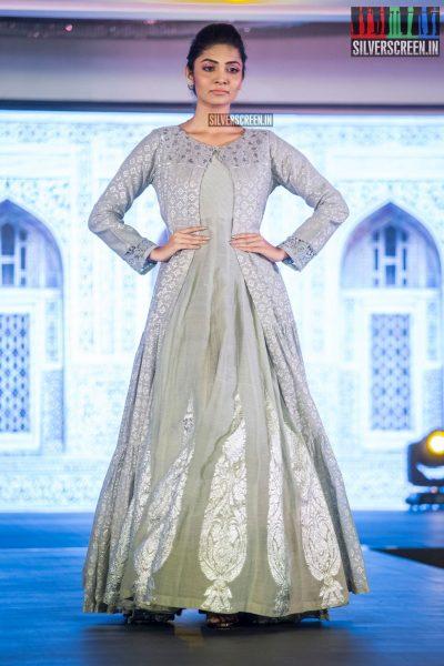 in-pictures-rakul-preet-singh-pradhayini-sarvothaman-shweta-gai-and-others-at-south-indian-fashion-awards-2017-photos-0038.jpg