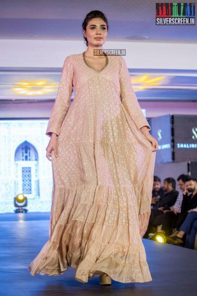 in-pictures-rakul-preet-singh-pradhayini-sarvothaman-shweta-gai-and-others-at-south-indian-fashion-awards-2017-photos-0040.jpg