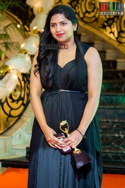 in-pictures-rakul-preet-singh-pradhayini-sarvothaman-shweta-gai-and-others-at-south-indian-fashion-awards-2017-photos-0046.jpg