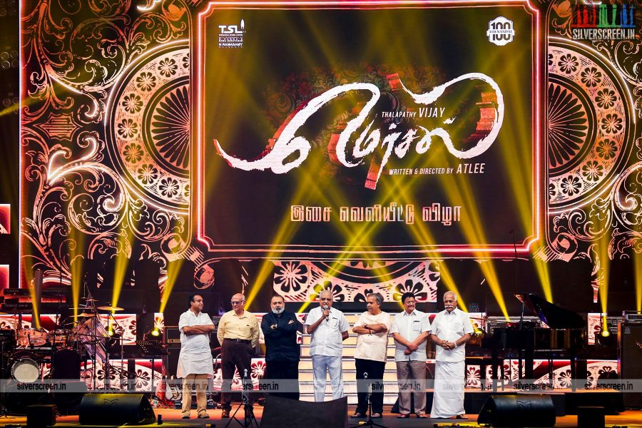 in-pictures-vijay-samantha-ruth-prabhu-kajal-aggarwal-atlee-and-others-at-mersal-audio-launch-photos-0006.jpg