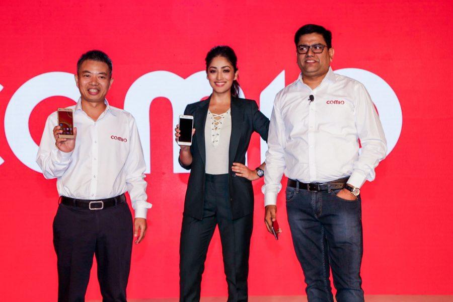 New Delhi: Comio CEO Sanjay Kalirona along with actress Yami Gau