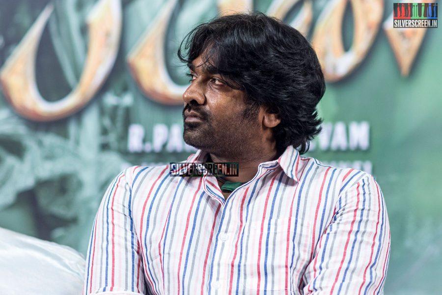 pictures-vijay-sethupathi-tanya-ravichandran-karuppan-press-meet-photos-0009.jpg