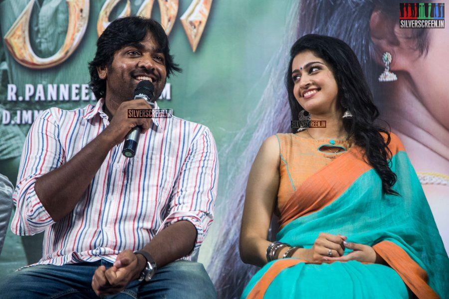 pictures-vijay-sethupathi-tanya-ravichandran-karuppan-press-meet-photos-0015.jpg