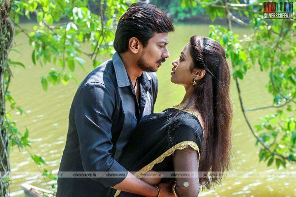 podhuvaga-emmanasu-thangam-movie-stills-starring-udhayanidhi-stalin-nivetha-pethuraj-parthiepan-and-soori-stills-0002.jpg