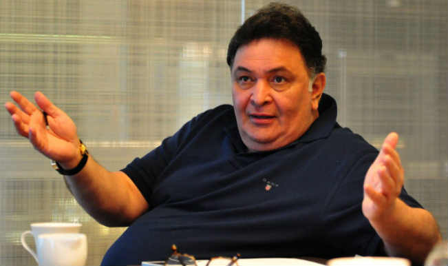 Police complaint against Rishi Kapoor for Twitter post