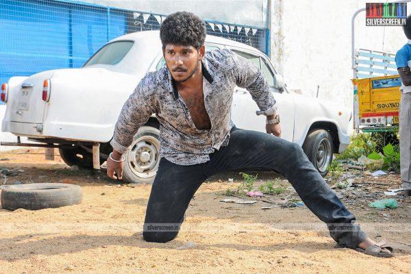 thirupathi-samy-kudumbam-movie-stills-starring-muruganandham-mayilsamy-stills-0001.jpg